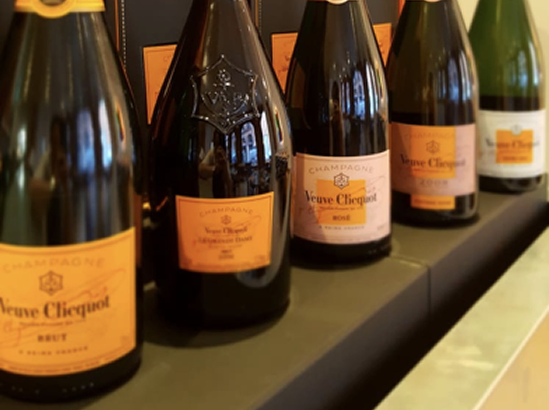 James St. Hosts Veuve Cliquot 200th Anniversary Dinner