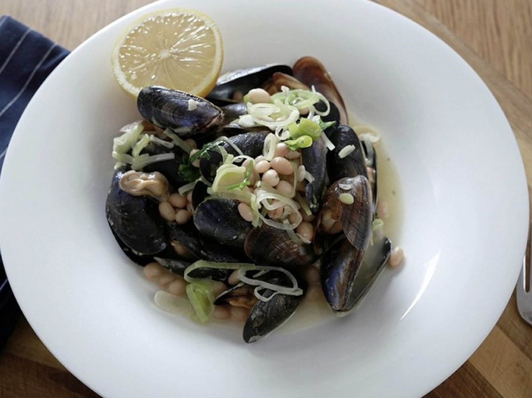 Roasted garlic and chilli clams, mussels with cider and white beans | James St